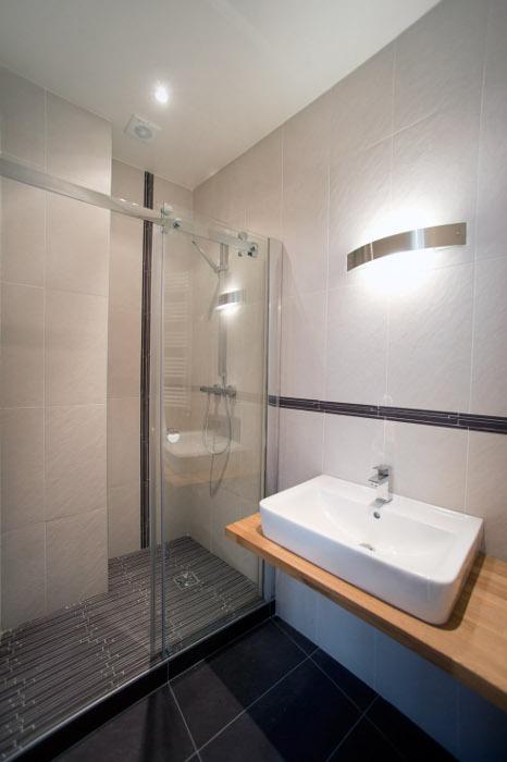Appartement 64 m2 refait neuf paris 10 for Produit salle de bain